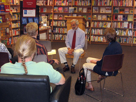 Dr. Berkowitz holds a workshop at a bookstore